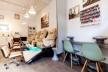 Pomelo Nail Bar