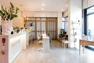 Alchemi Beauty Salon Bar
