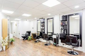 Heavens Salon - East London