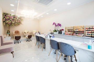 Lavish Soho Nails Salon