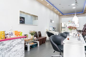 Luxus Nails and Beauty - Professionelles Nagelstudio