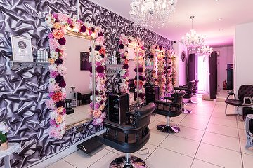 Salon Zone Boutique & Clinic