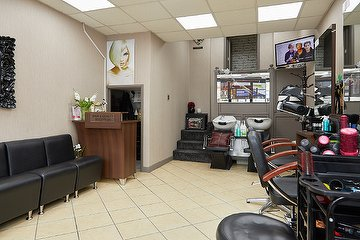 Pretty Bunch Hair & Beauty Studio