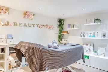 J Beauty Salon