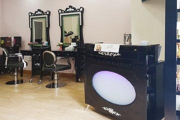 Romy Salon