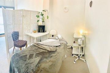 ADH Massage & Beauty