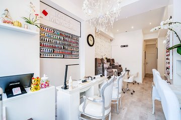 Nails Monceau Beauty