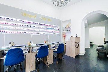 Raspail nail bar, Rue de Rennes, Paris