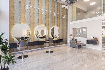 Crystal de Luxe Beauty House