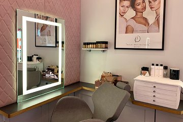 Jasmin French Make Up & Blow Dry Lounge