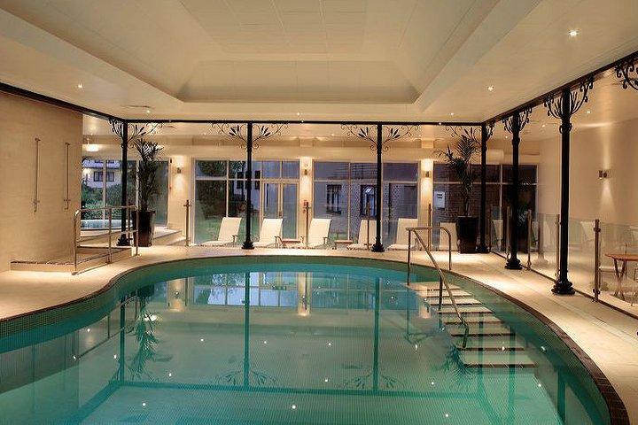 Chakra Spa At Crowne Plaza Felbridge Hotel Spa In West