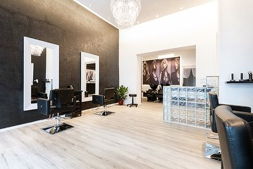 Khatt-Ab Der Meister Friseur