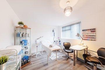 Esme Lloyd Surrey Beauty Salon