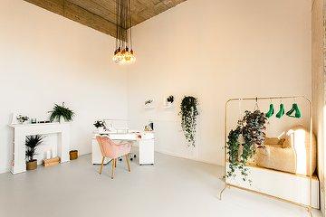 Bloom Nail Studio
