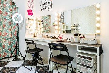 Itala's Closet Nails & Beauty