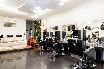 Artist Salon