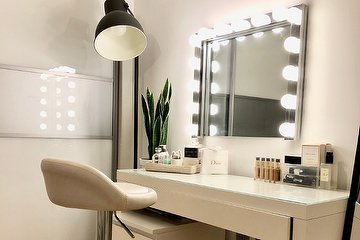 Rebecca Emily Makeup & Lashes