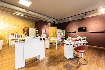 Divine Nails & Beauty - Lenzburg