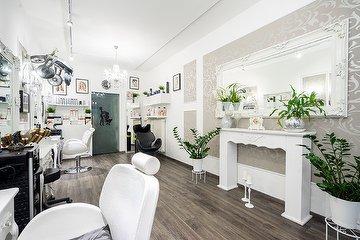 EsteLine Beauty Center