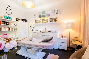 Esthetic Health & Beauty by Elena Stalder