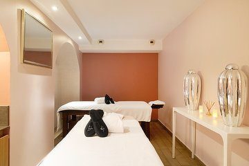 Le Six and Spa by CALMA PARIS