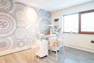 Suuza Nail & Art Studio