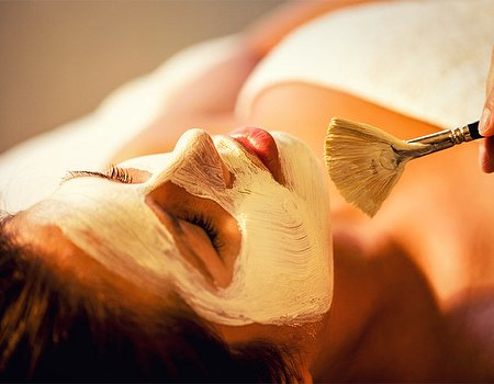 Tried and Tested: Face the World signature facial