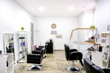 Toni Camacho Hairdesign