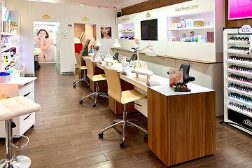 Nail & Beauty Center -  im Europacenter