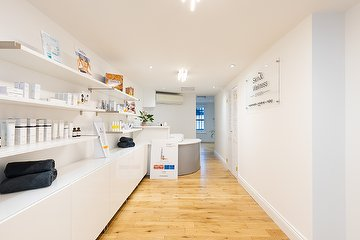 London Skin Wellness House