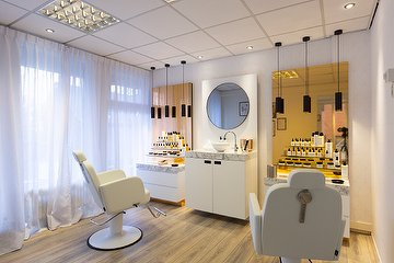 The Salon Laren
