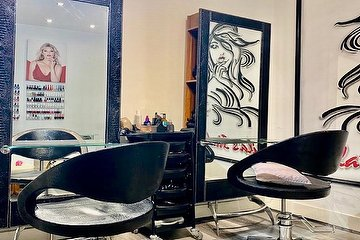 Sheila's Studio Hair