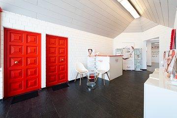 Bel Etage Cosmetics - Dr. E. Voss Referenz Studio Köln