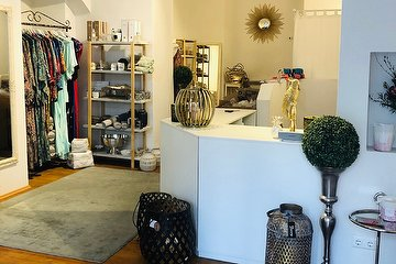 O'STYLE Concept store mit TINA'S NAILS