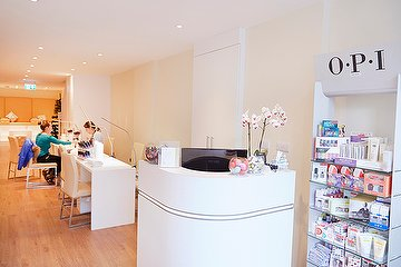 IMAGES Nails & Beauty - Clapham High Street