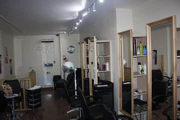 Creative Hair &  Beauty Unisex Salon