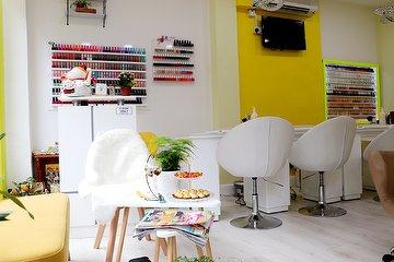 Ginger & Lemon Nail Salon