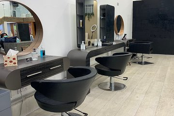 4K Hair Studio London