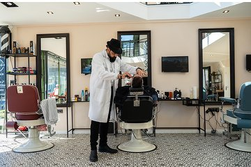 John's Barbershop