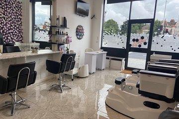 Mehroosh Hair & Beauty Lounge