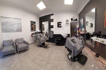 Academia Ferna The Barber