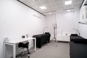 Jiemao Lashes + Brows - City of London