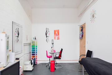 Fabulous Nails and Beauty Studio - Whitechapel