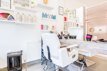 Beauty Lounge by Nicole - Mill Hill