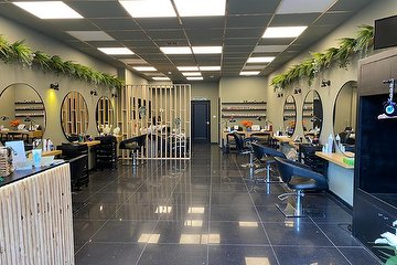 Chic Salon & Clinic