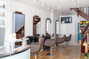BACKSTAGE Atelier Hair & Beauty