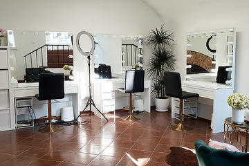 Upgrade Beauty Studio
