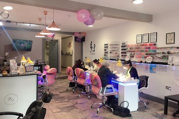 Yu Nail & Beauty Studio