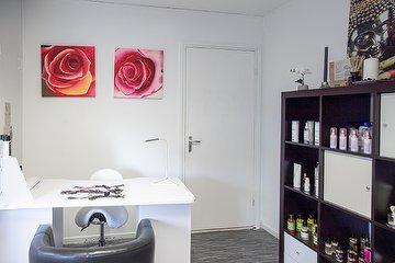 Darre Clinic Salon