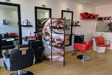Salon Rouge Irina - London
